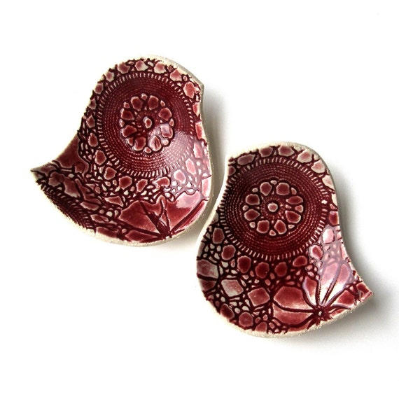 Pottery bowls Birds of a feather bowl duo with lace texture in ruby red Ceramic ring bowls
