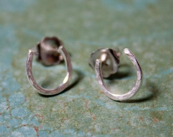 Lucky Horseshoe Stud Earrings - Sterling Silver - The Ranch Collection - Jennifer Cervelli Jewelry