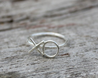 XO 14k Yellow Gold ring