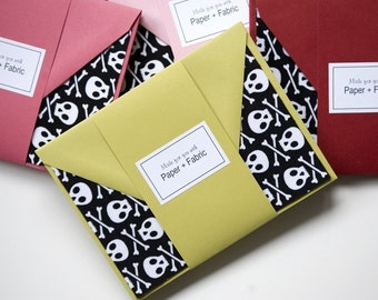 Fabric Cards - Skulls and Crossbones // Fabric // Note Cards // Halloween // Thank You Cards // Stationery