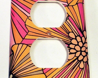 Switchplate  Wall Decor Outlet Plate  Switch Plate in Pink Splash  (141O)