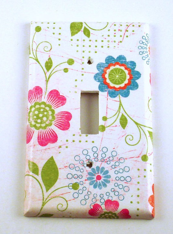 Wall Decor Light Switch Cover   Switchplate  in Pretty Flowers (166S)