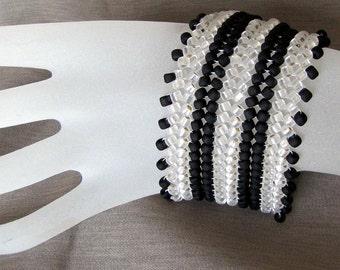 Herringbone Cuff Bracelet,  Black and White Beadwoven Bracelet, Slider clasp, Seed Bead Bracelet, Beaded  Bracelet, 8 inch Bracelet Item#802