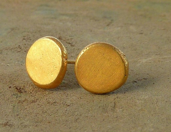 Organic gold studs earrings