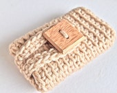 Crochet iPhone 4 case, iPhone 4 cover, iPhone case in tan or beige, gadget accessories