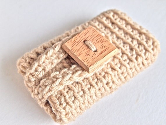 Crochet iPhone 4 case, iPhone 4 cover, iPhone case in tan or beige, gadget accessories