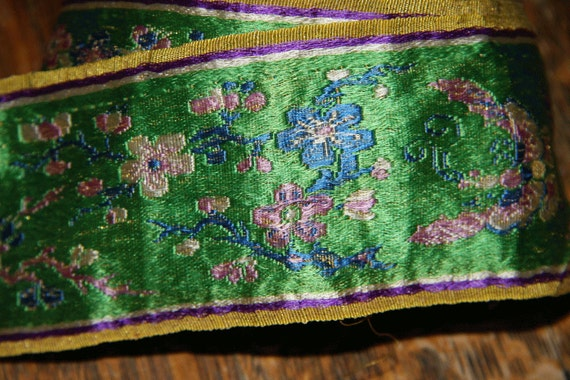 1920s chinese silk embroidered ribbon green antique