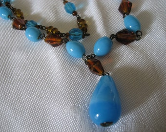 VINTAGE Sky Blue Glass and Faceted Amber Costume Jewelry Necklace