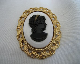 VINTAGE Black and White Glass Cameo Head Costume Jewelry Brooch and Pendant