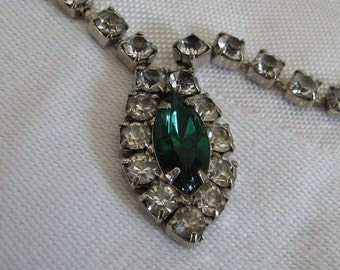 VINTAGE Emerald Green and Rhinestone Costume Jewelry Necklace