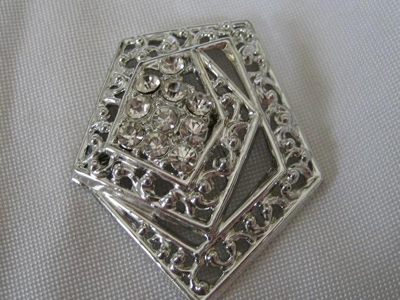 VINTAGE Pierced Silver Metal and Rhinestone Costume Jewelry Brooch