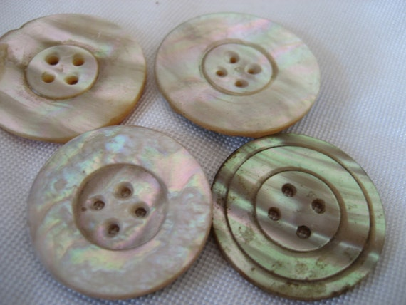 Lot of 4 Large VINTAGE Iridescent Abalone Shell BUTTONS   S5