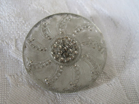 Large ANTIQUE True Lacy Glass BUTTON