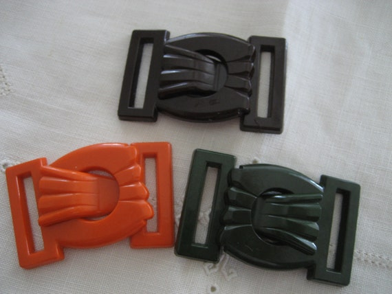 Set of 3 VINTAGE Green Brown & Orange Casein Carved Clasp BUCKLE