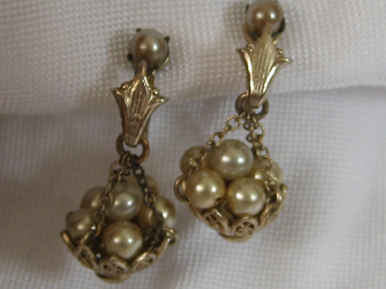 Vintage Coro Pearls In Basket Costume Jewelry Dangle Earrings