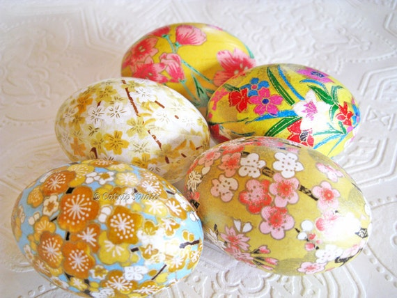 Easter Eggs, Yellow Easter Eggs,  Decoupage Eggs, Origami Eggs, yellow and pink eggs