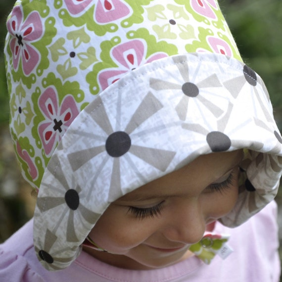 UB2 ORGANIC DOGWOOD a totally gorgeous organic sun hat perfect for a spring festival by The Urban Baby Bonnet -- size extra large