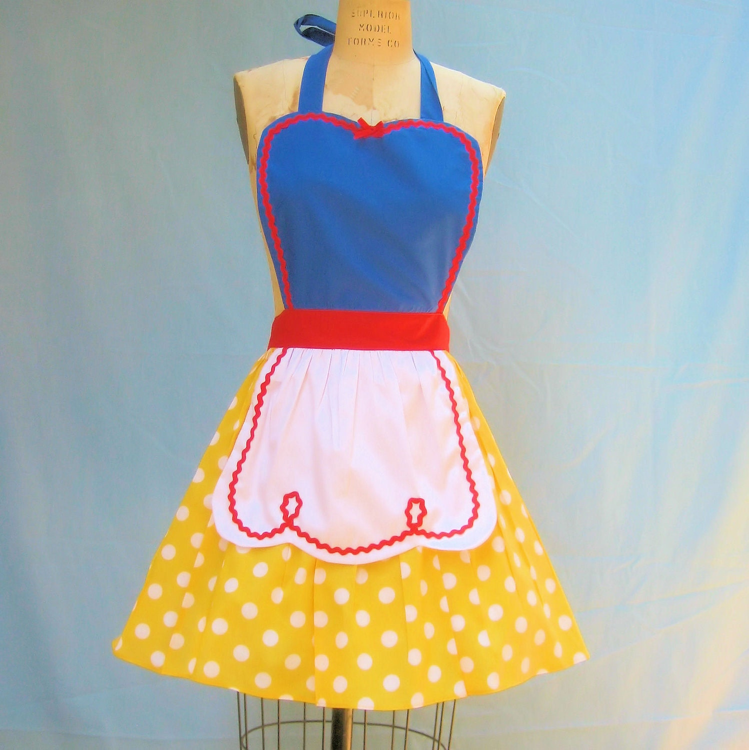 White pinafore apron costume - 36 Best Images About Apron Addiction On Pinterest Sleeping Beauty The Gathering And My Little Pony