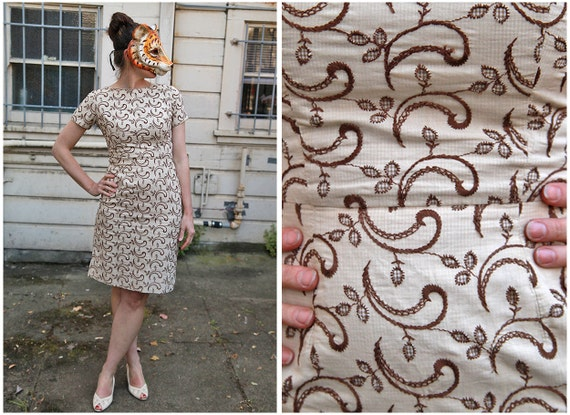 Vintage 60s Wiggle Dress in Brown and Cream Gingham Embroidered Paisley - sz S/M
