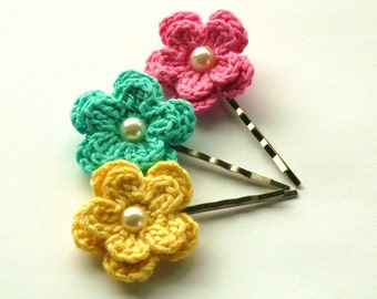Crochet Flowers Bobby Pins in Lemon Yellow, Aqua Green and Candy Pink