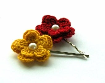 Crochet Flowers Bobby Pins in Mustard and Red