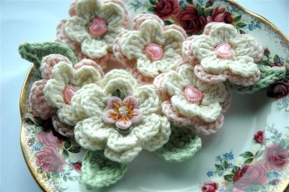 Crochet Flowers Applique - Pink and Cream