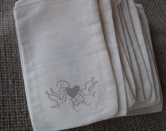 Favor Bags - SET OF 10 3x5vDove Wedding Muslin Favor Bags Gift Bags or Candy Bags - Item 1244