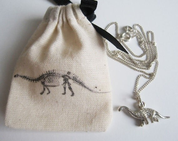 Saltasaurus - 925 sterling silver charm necklace with pouch