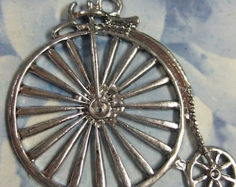 Clearance Closeout Sale Antique Silver Finish Old Fashion Style Bicycle  Pendant 856SIL x1