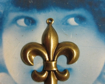 Fleur Di Lis Brass Ox Plated Charms 417BOX x2