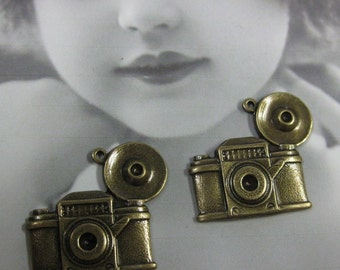 Antique Style Flash Bulb Camera Charms Brass Ox Plated 568BOX x2