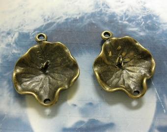 Antique Bronze Plated Cast Leaf Charms Pendants 1004BRZx4