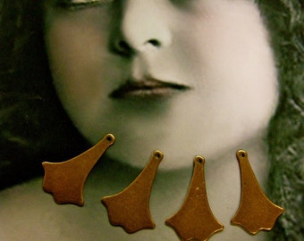 Copper Ox Plated Vintage Small Ginkgo Leaf Charms 72COP x4