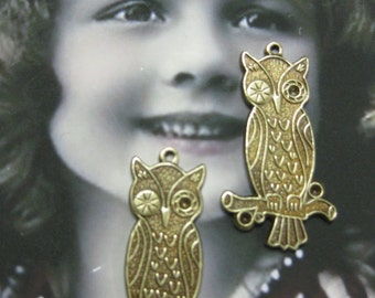 Brass Ox Plated Winking Owl Stampings 1171BOX x2