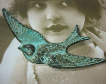 Verdigris Patina Large Bird in Flight Stamping Pendant 696VER x1