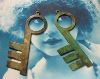 Verdigris Patina Brass Skeleton Keys 111VER x2