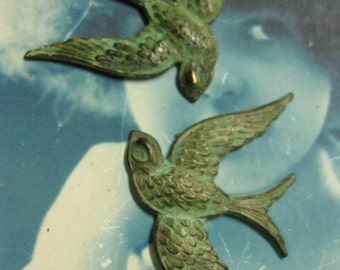 Verdigris Patina Large Bird Stampings With or Without Hole 301VER x2