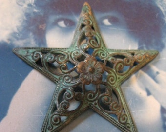 Large  Filigree Verdigris Patina Star 128VER x1