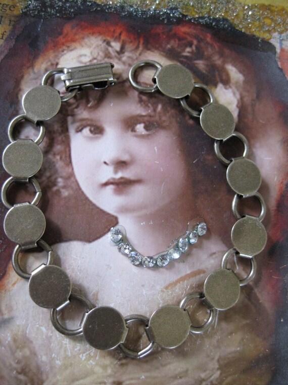 Brass Ox Plated Disk Loop Bracelet 138BOX x1
