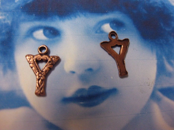 Copper Ox Plated Small  Fancy Initial Charms Letter Y 748YCOP x1