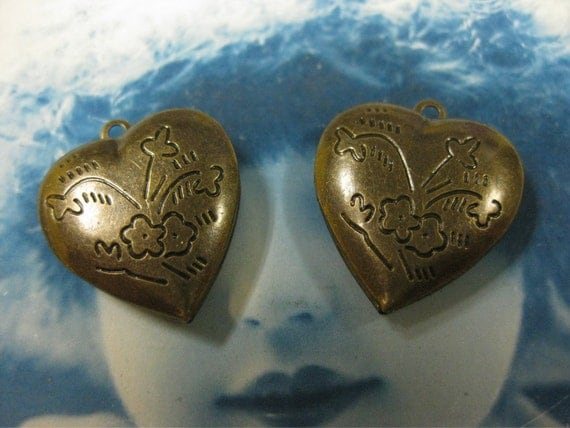Brass Ox Heart Shaped Lockets 433BOX x2