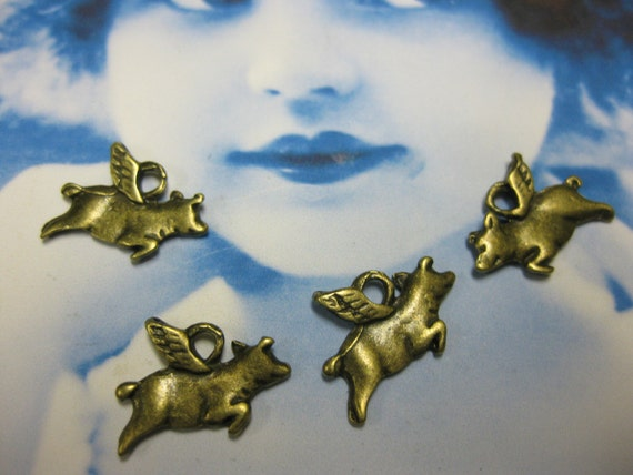 Antique Bronze Ox Plated Flying Pig Charms 1087BRZ x4