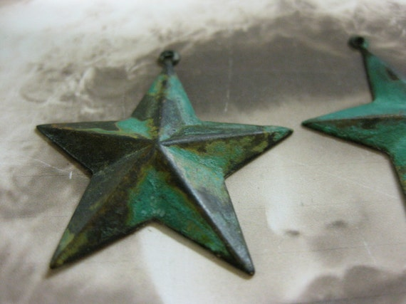 Verdigris Patina Big Old Brass Star Charms Pendants 130VER x2