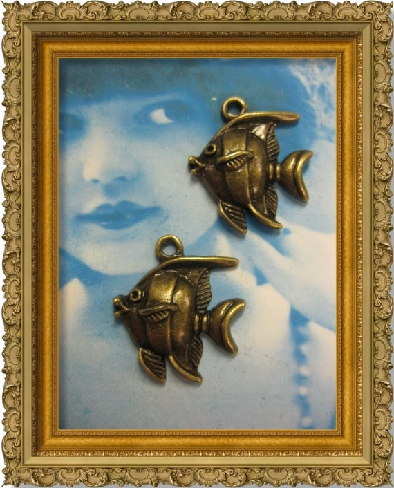 Antique Bronze Ox Angel Fish Charms 2019BRZ x4