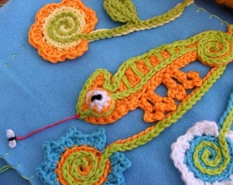 PATTERN - CHAMELEON - pdf Crochet Pattern for applique, FLOWERS, and small wall hanging