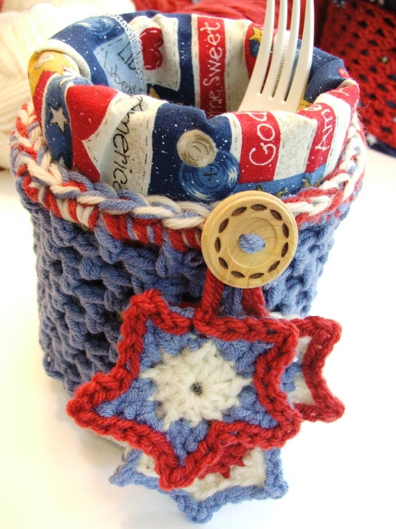 Easy CROCHET Project Pattern  - Instant Download for FAST and FUN picnic table pot or decorated bucket - no sewing needed