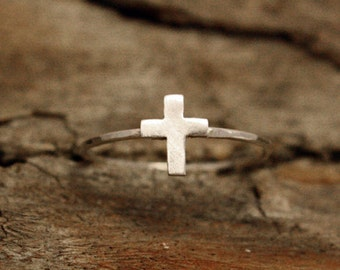 Tiny Cross Ring