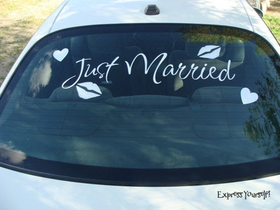 Just Married vinyl lettering to Decorate Newlyweds Car