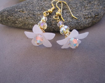 Frosty White Lucite Flower Dangle and Drop Earrings, Bridal, Wedding, Bridesmaid, White Flower Earrings, KISS the BRIDE