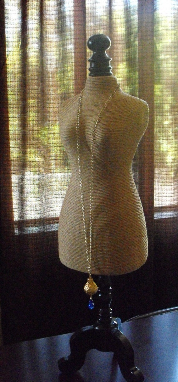 Tan Twine Mannequin Style Wood Base Jewelry Retail Stand 23X6X6 Inch Size Display